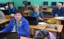 Завершение обучения людей третьего возраста основам компьютерной грамотности в МЭБИК