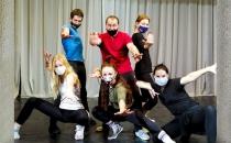 Актеры Молодежного театра «3Д» МЭБИК принимают участие в мастер-классе по сценическому движению «Траектория тела»